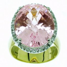 A Pink Topaz and Diamond Cluster Ring. 18k Yellow Gold.