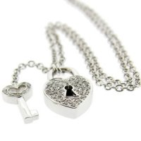 18k Locket. A Heart Locket Diamond Pendant. 18ct white Gold.